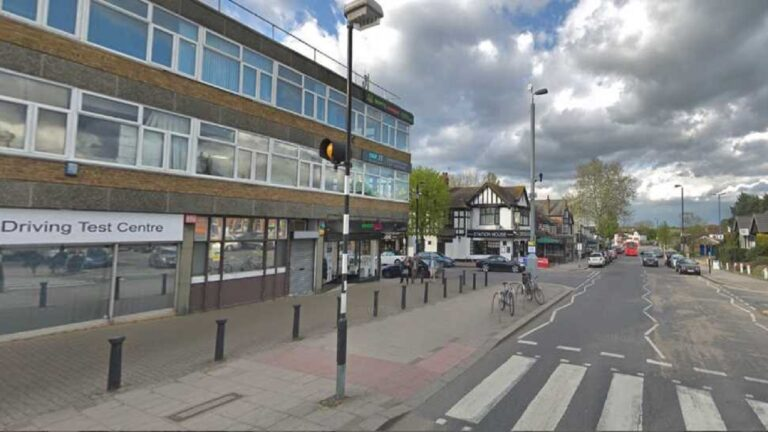 book emergency driving test at chingford